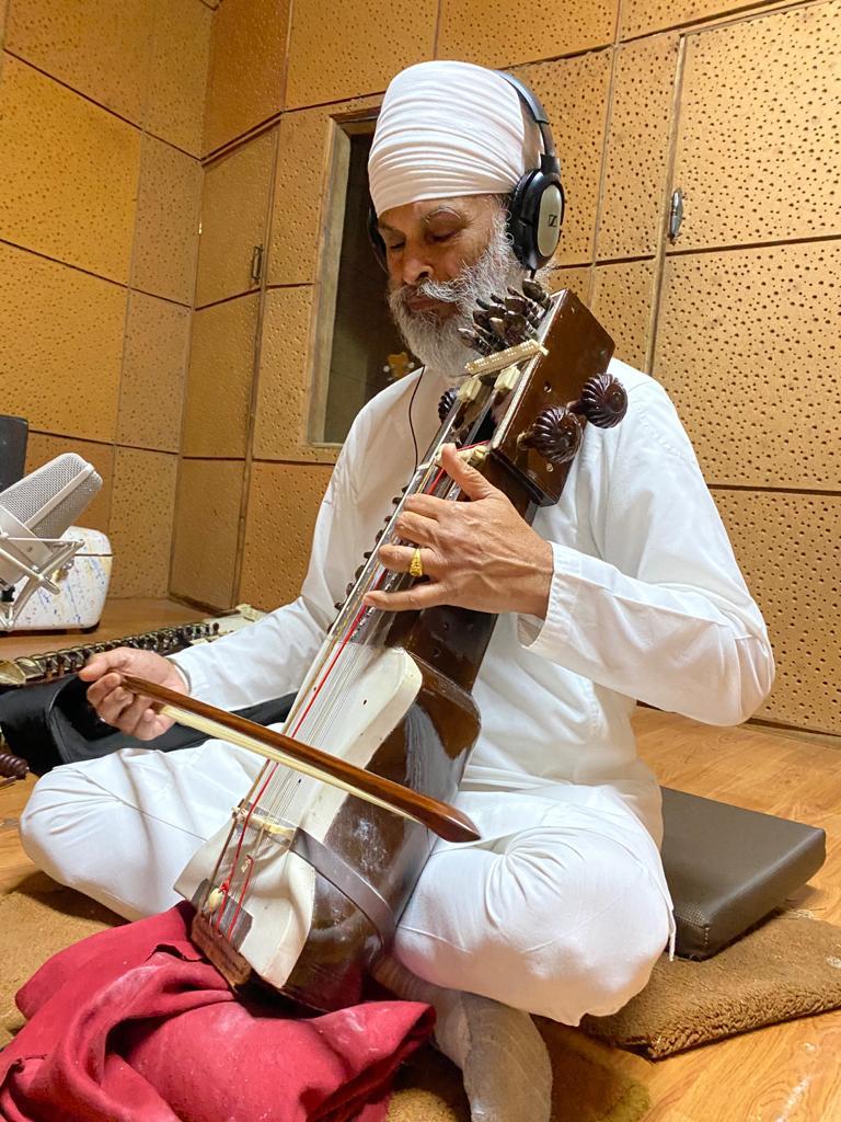 Ustad Surjeet Singh playing Sarangi